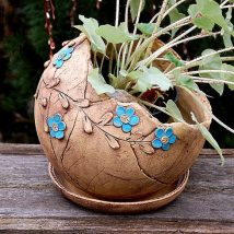 Diy Garden Globes 29 214x214 - 44+ Super Interesting DIY Garden Globes Ideas