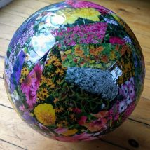 Diy Garden Globes 5 214x214 - 44+ Super Interesting DIY Garden Globes Ideas