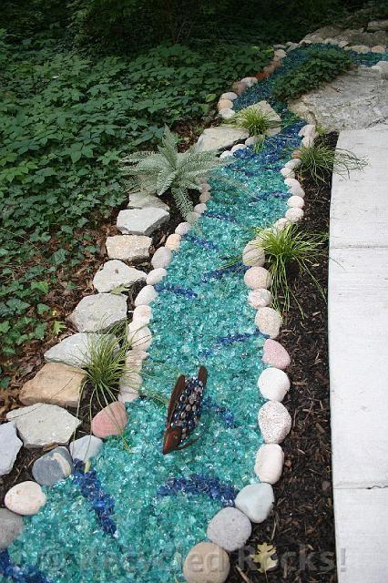 Diy Garden Mosaics Projects 26 - 40+ Unforeseen DIY Garden Mosaics Projects