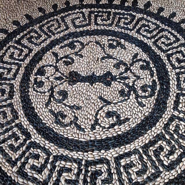 Diy Garden Mosaics Projects 31 - 40+ Unforeseen DIY Garden Mosaics Projects
