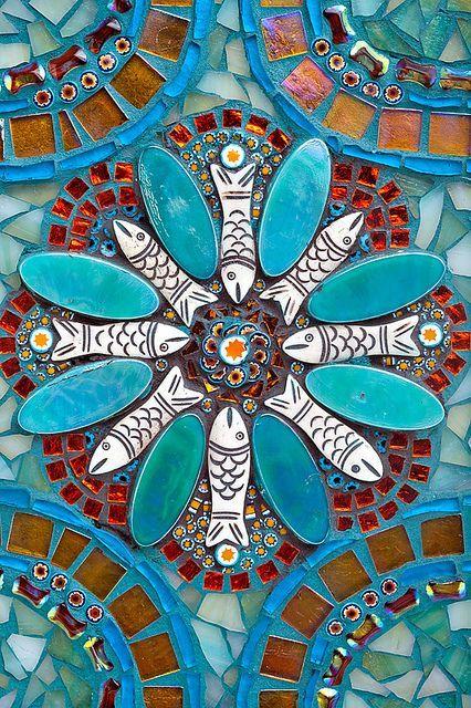 Diy Garden Mosaics Projects 37 - 40+ Unforeseen DIY Garden Mosaics Projects