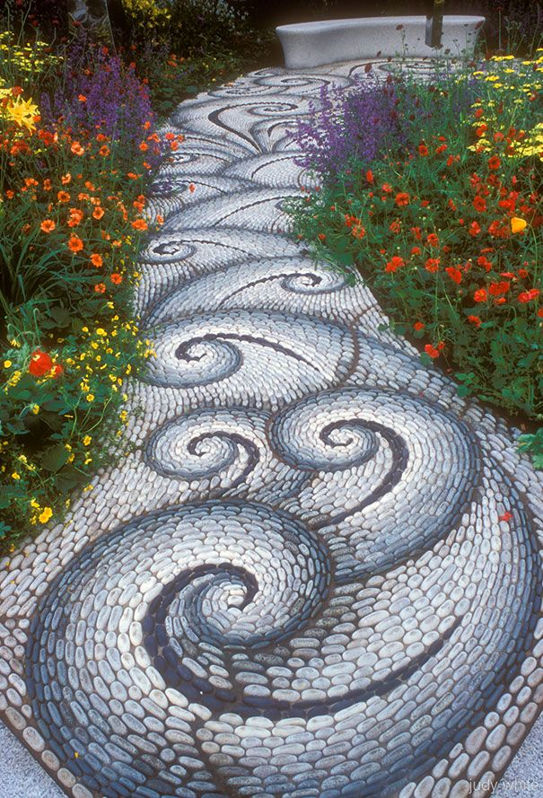 Diy Garden Mosaics Projects 4 - 40+ Unforeseen DIY Garden Mosaics Projects