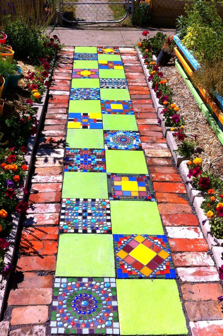 Diy Garden Mosaics Projects 42 - 40+ Unforeseen DIY Garden Mosaics Projects