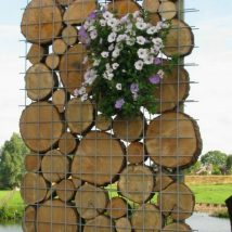 Diy Living Fence Art 16 214x214 - Heart-Stopping DIY Living Fence Art Ideas
