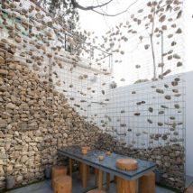 Heart-Stopping DIY Living Fence Art Ideas