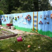 Diy Living Fence Art 19 214x214 - Heart-Stopping DIY Living Fence Art Ideas