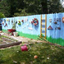 Diy Living Fence Art 19 214x214 - Heart-Stopping DIY Living Fence Art Ideas