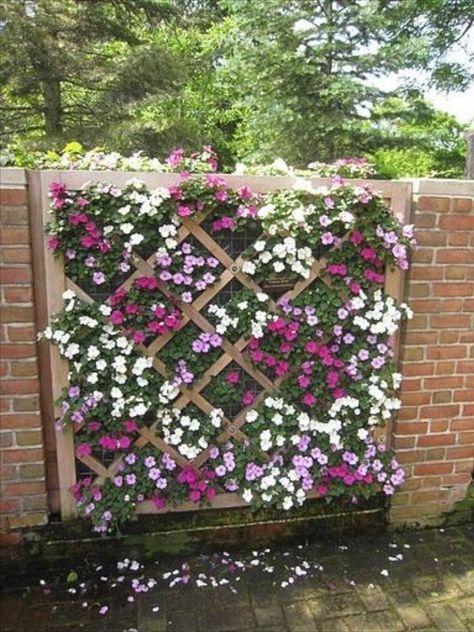 Diy Living Fence Art 22 - Heart-Stopping DIY Living Fence Art Ideas