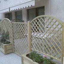 Diy Living Fence Art 25 214x214 - Heart-Stopping DIY Living Fence Art Ideas