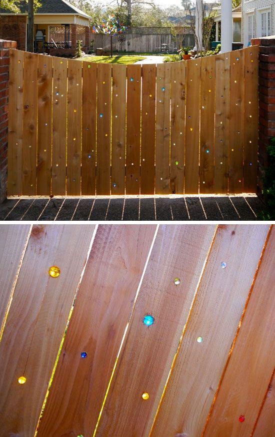Diy Living Fence Art 3 - Heart-Stopping DIY Living Fence Art Ideas