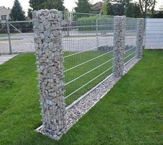 Diy Living Fence Art 38 - Heart-Stopping DIY Living Fence Art Ideas