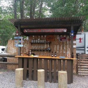 Diy Pallet Bar 21 - 50+ DIY Ideas For Wood Pallet Bars