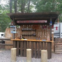 Diy Pallet Bar 30 214x214 - 50+ DIY Ideas for Wood Pallet Bars
