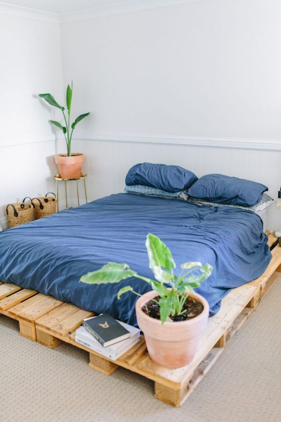 Diy Pallet Bed 49 - Amazing DIY Pallet Bed Ideas
