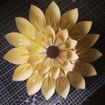 Diy Paper Flowers 25 214x214 - Coolest DIY Paper Flowers for Anyone