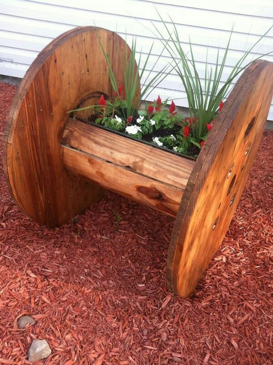 Diy Raised Planters 45 - Best DIY Raised Planters Ideas You Can Find