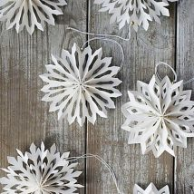 Coolest DIY Snowflakes You Can Make Easily