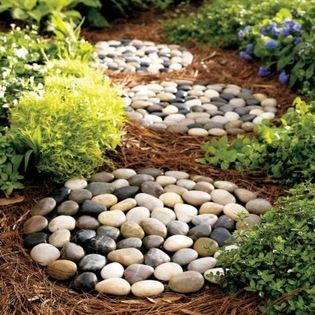 Diy Stepping Stones 16 - DIY Stepping Stones To Make Your House Stunning