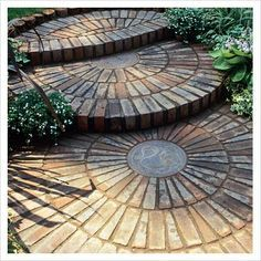 Diy Stepping Stones 19 - DIY Stepping Stones To Make Your House Stunning