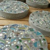 Diy Stepping Stones 23 214x214 - DIY Stepping Stones to make your House Stunning