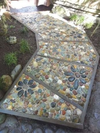 Diy Stepping Stones 27 - DIY Stepping Stones To Make Your House Stunning