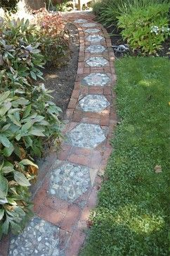 Diy Stepping Stones 28 - DIY Stepping Stones To Make Your House Stunning