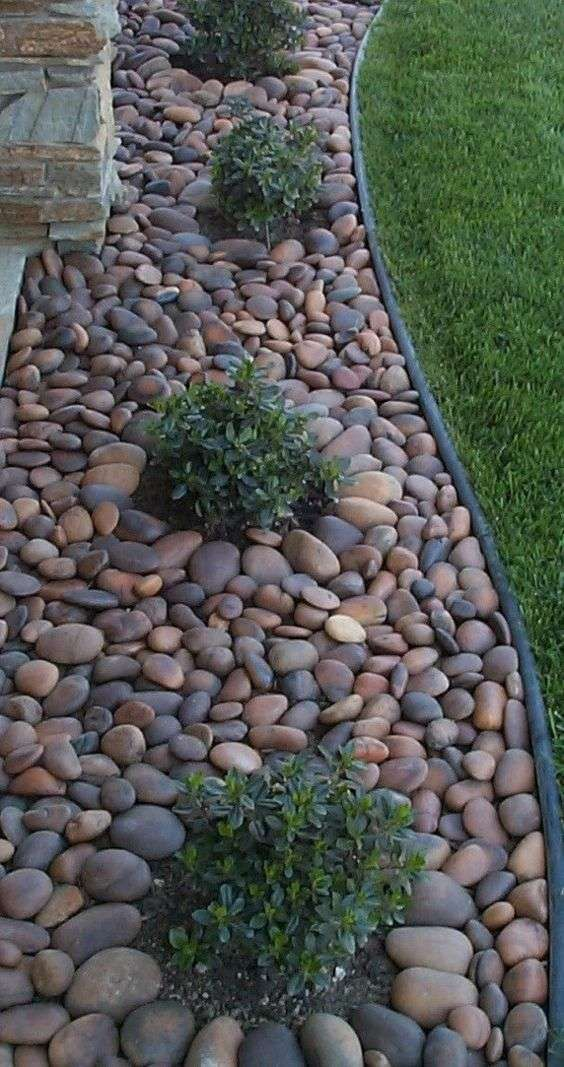 Diy Stepping Stones 42 - DIY Stepping Stones To Make Your House Stunning