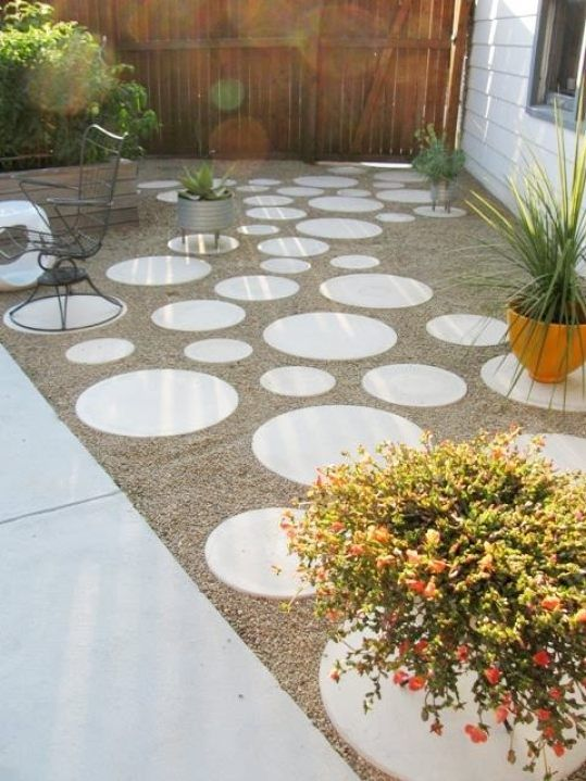 Diy Stepping Stones 45 - DIY Stepping Stones To Make Your House Stunning