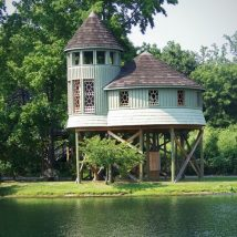 Diy Tree Houses 14 214x214 - 45+ DIY Tree House Ideas For Your Inspiration
