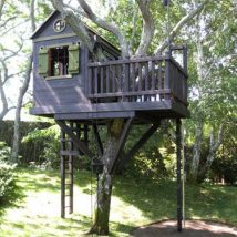 Diy Tree Houses 25 214x214 - 45+ DIY Tree House Ideas For Your Inspiration