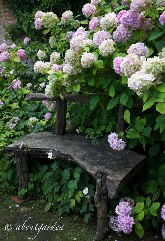 Farmhouse Garden Benches 12 - Wonderful Farmhouse Garden Benches Ideas