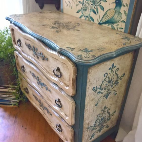 Painted Old Furniture 24 - Phenomenal Painted Old Furniture Ideas