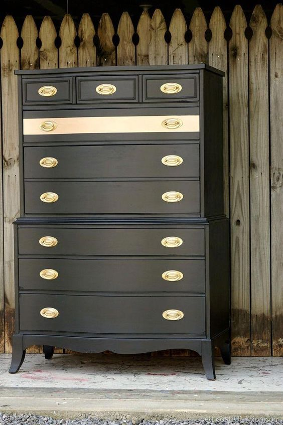 Painted Old Furniture 30 - Phenomenal Painted Old Furniture Ideas