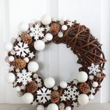 Pine Cone Projects 21 214x214 - 44+ Simple DIY Pine Cone Projects Ideas